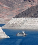 """Hoover Dam's low water exposes a """"bathtub ring"""""""