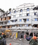 Sichuan earthquake damages building, 14 May 2008